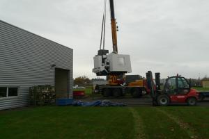 déchargement du centre d'usinage ( 18 tonnes ! )